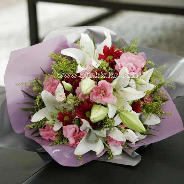 مدل های دسته گل عروس مناسب فصل بهار و تابستان**banktalar.com