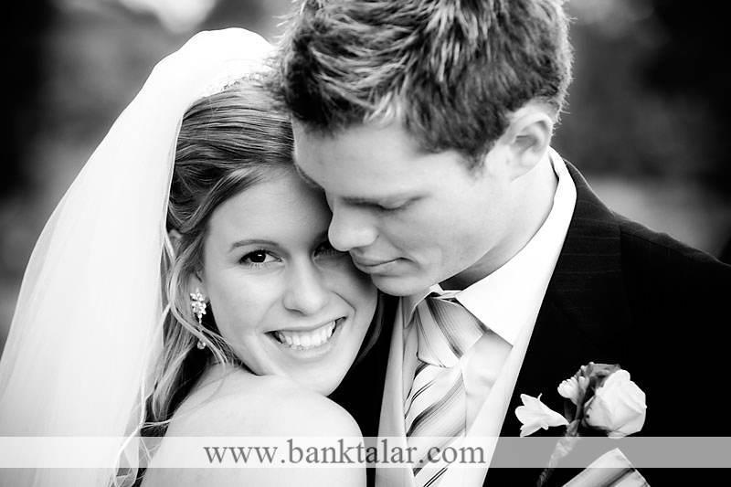ژست های خاص و جذاب مخصوص عکس های عروسی و نامزدی _سری اول**banktalar.com