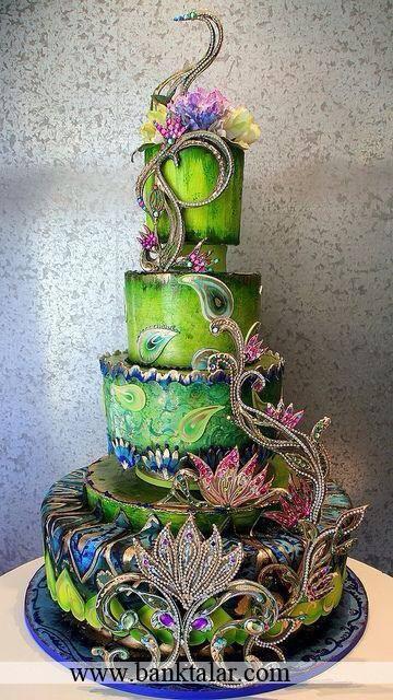 کیک عروسی با تزئینات بسیار زیبا**banktalar.com