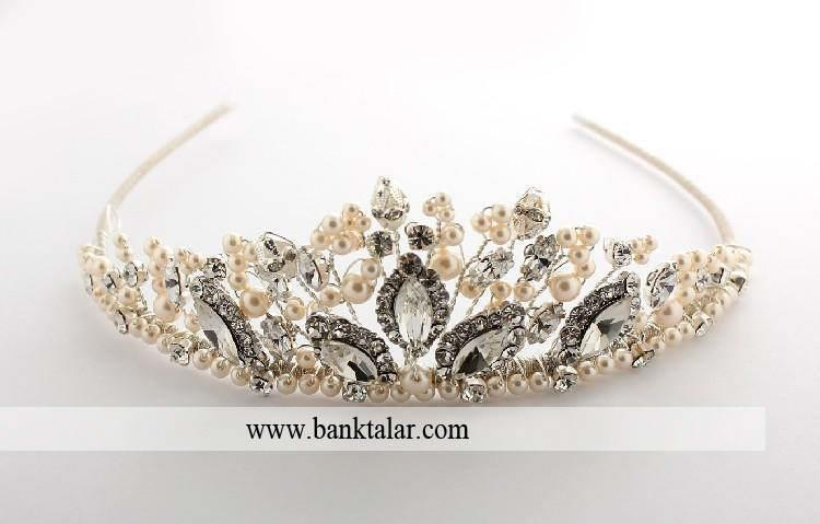 چگونه تاج عروسی مناسب با مدل لباس و موهایمان را انتخاب نماییم؟_سری اول**banktalar.com