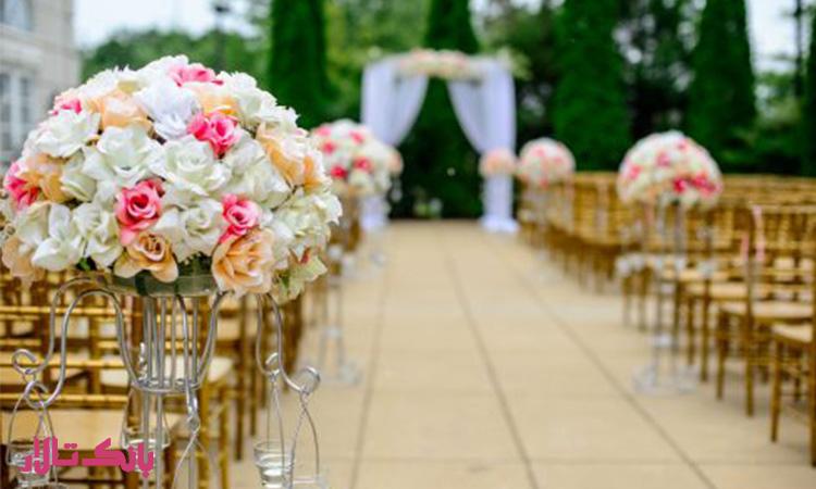 نحوه برگزاری مراسم گل رز در باغ تالار و فضای باز