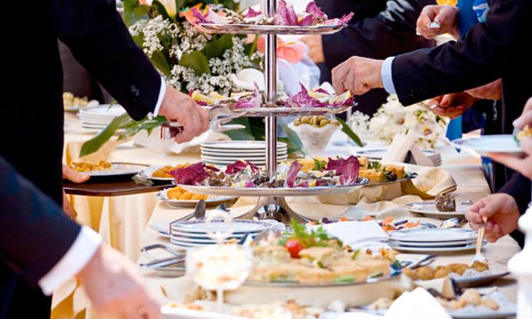 انتخاب بهترین کترینگ عروسی توسط تشریفات عروسی