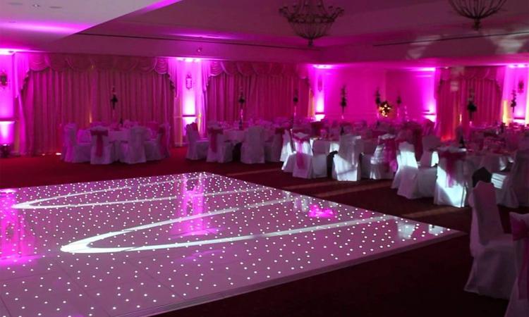 انتخاب مکان مناسب برای رقص عروس و داماد
